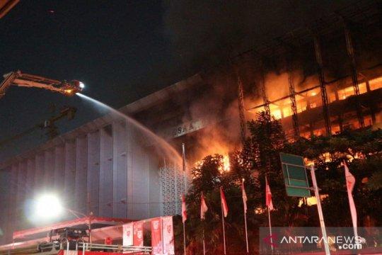 Olah TKP gedung Kejaksaan Agung kembali dilanjutkan hari ini