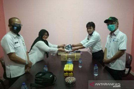 Pemprov Babel serahkan 3.000 keping blanko e-KTP Pulau Belitung
