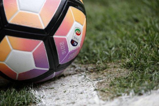 Lazio meminjam Andreas Perreira dari Manchester United