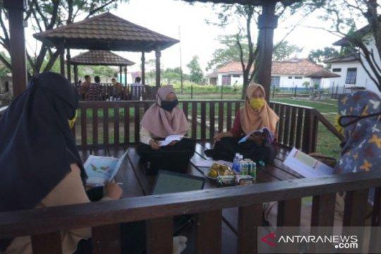 Belajar di era new normal, siswa beasiswa PT Timah tetap semangat