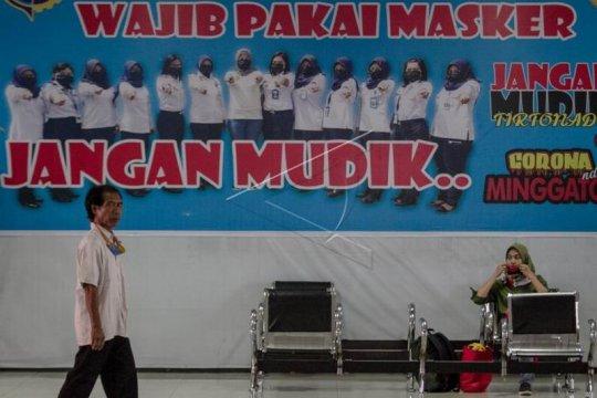 Dampak PSSB Jakarta di Terminal Tirtonadi Solo Page 2 Small