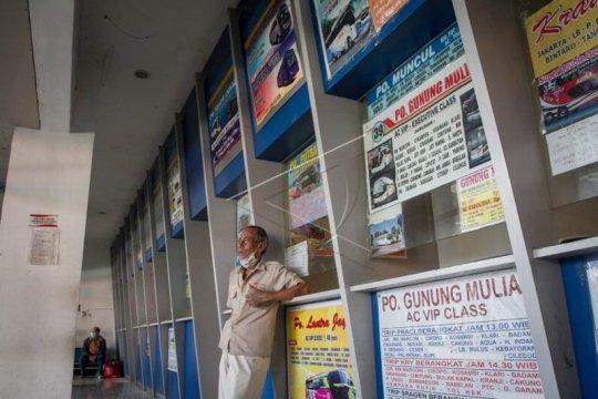 Dampak PSSB Jakarta di Terminal Tirtonadi Solo Page 3 Small