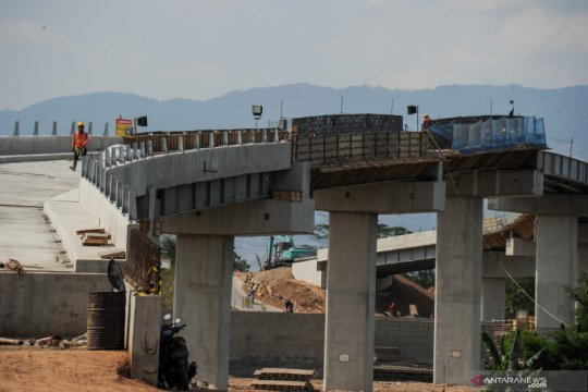 Pengerjaan proyek kereta cepat Jakarta-Bandung telah capai 56 persen