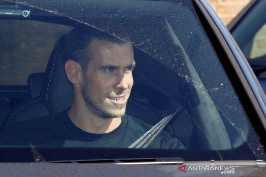 Agen Gareth Bale mengecam perlakuan Real Madrid dan fansnya terhadap kliennya