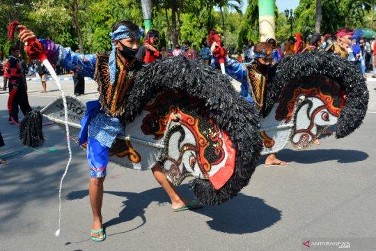 Aksi seniman tradisional tuntut izin pertunjukan