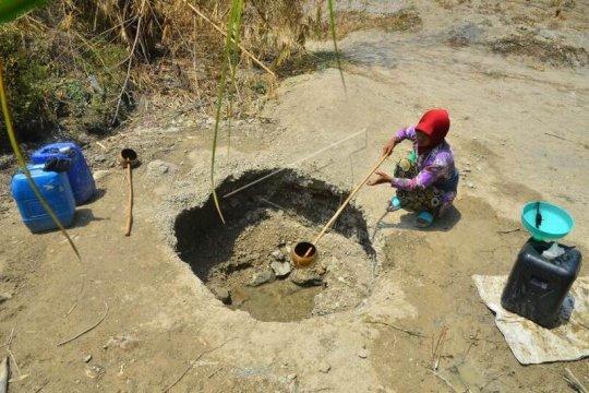 Krisis air bersih akibat musim kemarau Page 3 Small
