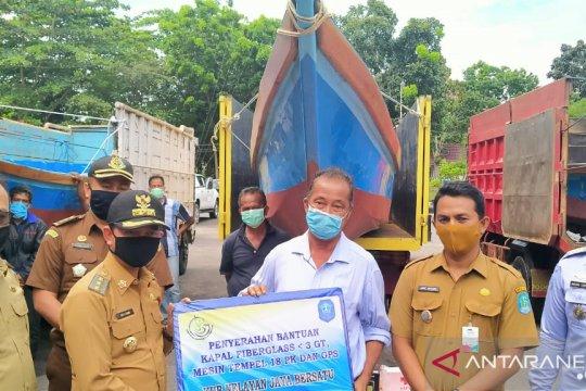 Pemerintah Kabupaten Bangka salurkan bantuan 40 mesin kapal penangkapan