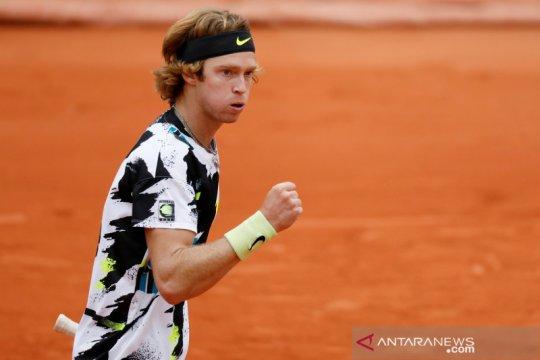 Rublev sudahi perjuangan di ATP Finals dengan kemenangan atas Thiem