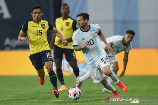 Tendangan penalti Messi menangkan Argentina atas Ekuador