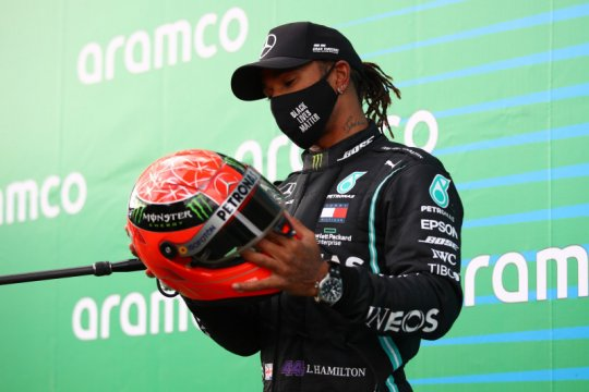 Lewis Hamilton samai rekor Michael Schumacher dengan kemenangan ke-91