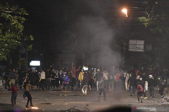 20 pembakar Halte TransJakarta ditahan