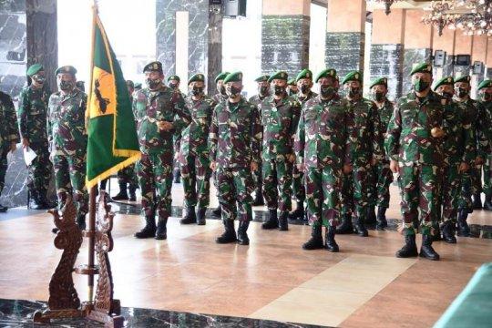 Kasad pim[in Alih Kodal Yonzikon 11 dan laporan korps 19 pati TNI AD