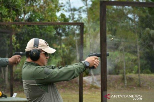 Gubernur Babel ikut berpartisipasi dalam lomba menembak HUT TNI ke-75