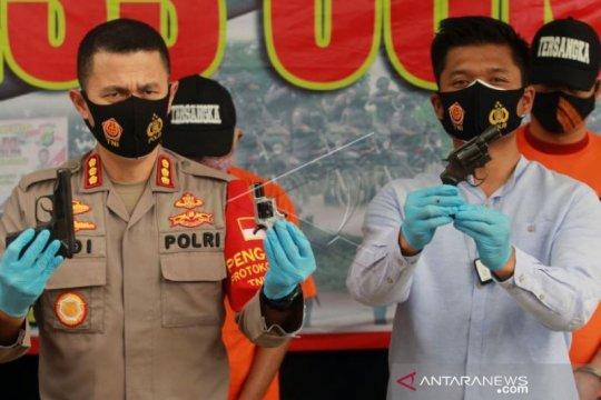 Pengungkapan Kepemilikan tiga Senjata Api dan ratusan amunisi Ilegal