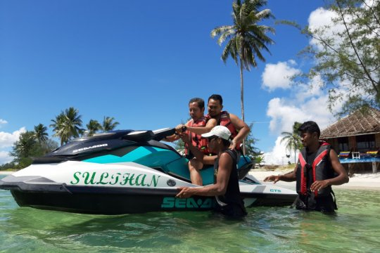 Pengunjung pantai di Bintan waspada cuaca ekstrem