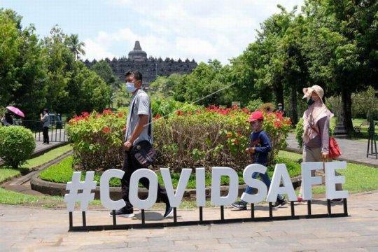 Wisatawan Candi Borobudur Page 1 Small
