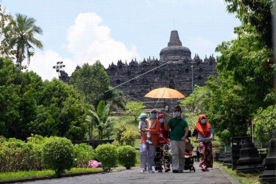 Wisatawan Candi Borobudur Page 3 Small