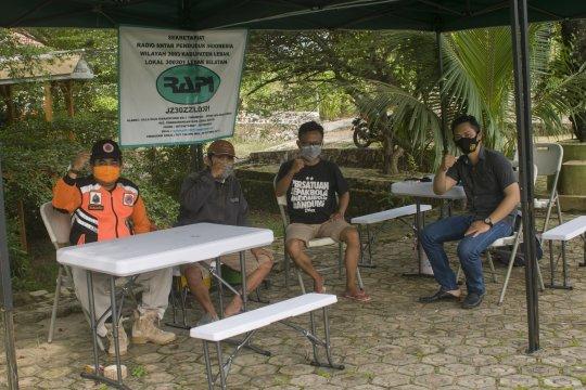Potensi gelombang enam meter, BPBD Banten ingatkan warga jangan berenang di laut