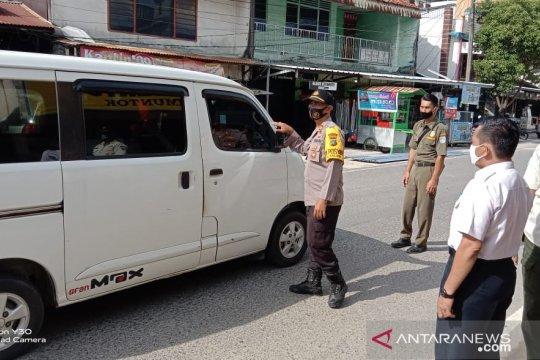 Tim gabungan operasi wajib masker di Pasar Mentok Bangka Barat