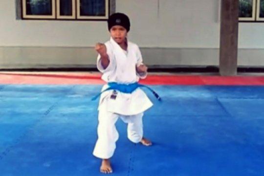 Chania raih medali emas di Kejuaraan Karate Internasional