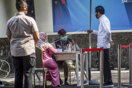 Presiden Jokowi Tinjau Simulasi Vaksinasi COVID-19