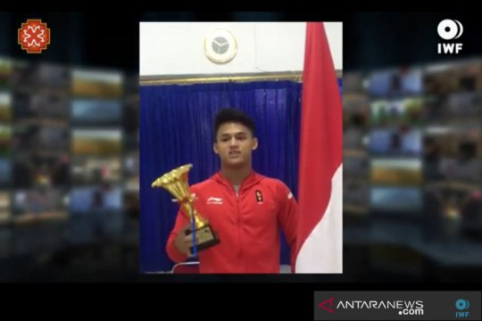 Rizky Juniansyah dinobatkan sebagai lifter remaja terbaik versi IWF