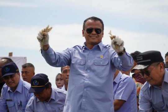 Menteri Edhy Prabowo ditangkap KPK
