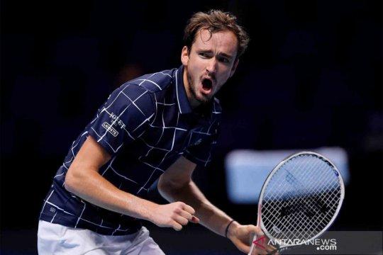 Medvedev tantang Thiem di partai puncak ATP Finals
