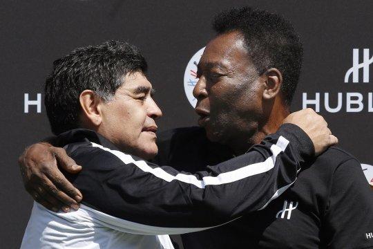 Pele dirundung kesedihan atas meninggalnya Maradona
