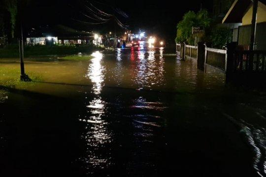 Puluhan rumah warga di Natuna terendam banjir