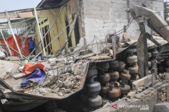 Rumah Rusak Akibat Ledakan