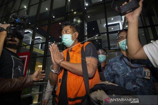 Tersangka Korupsi Ekspor Benih Lobster Usai Diperiksa KPK