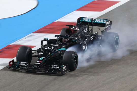 Mercedes akan mewaspadai ancaman Max Verstappen dari tim Red Bull