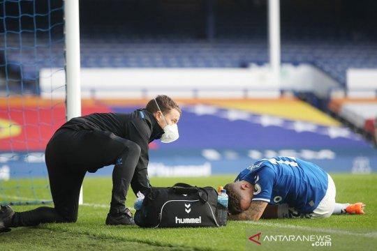 Ancelotti pilih optimistis walau Lucas Digne absen 2-3 bulan