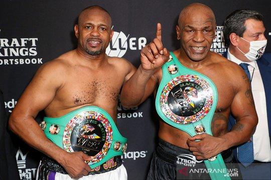 Duel Tyson lawan Roy Jones berakhir imbang