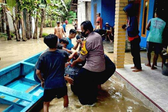 Polresta terjunkan personel bantu evakuasi korban banjir Banyumas