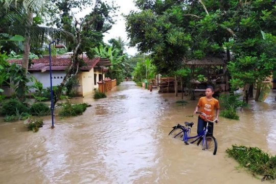 Mengatasi bencana banjir dengan strategi mitigasi
