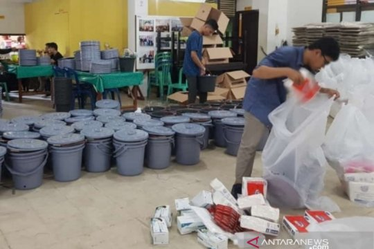 KPU Bangka Barat distribusikan logistik pendukung TPS sehat