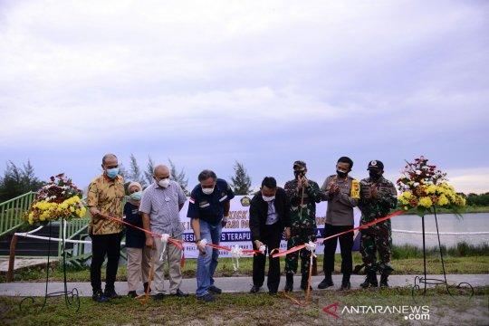Dirjen Minerba Resmikan PLTS Terapung dan Fishing Villa Kampong Reklamasi Selinsing PT Timah