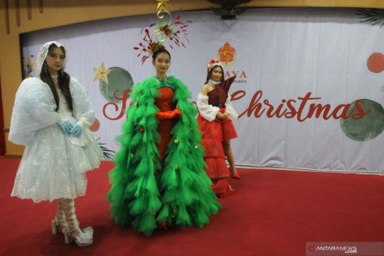 Kreasi busana untuk perayaan Natal