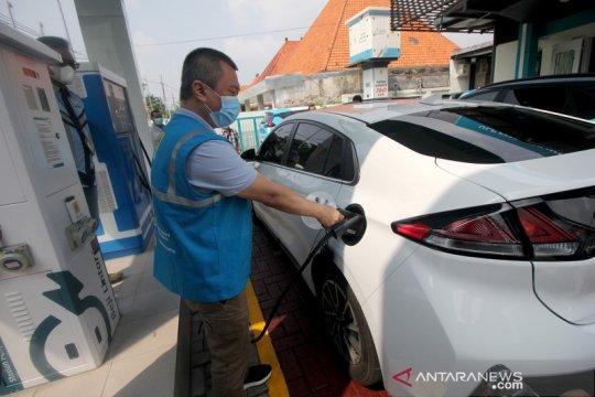 Kesiapan stasiun pengisian kendaraan listrik umum di Surabaya