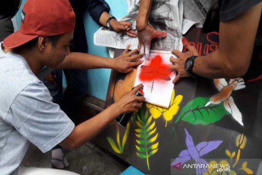 Komunitas Tuli Temanggung ikuti pelatihan seni stensil