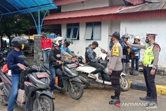 Aktivitas penyeberangan di Pelabuhan Tanjungkalian terpantau lancar