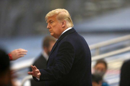 Twitch menonaktifkan akun Presiden AS Donald Trump tanpa batas waktu