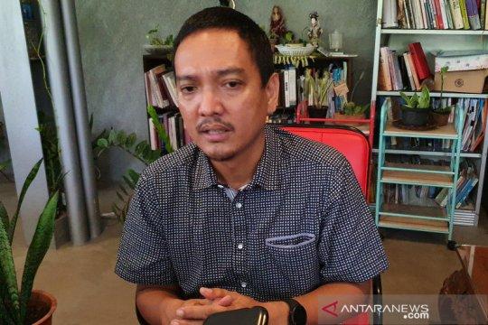 Yoyok Sukawi minta sepak bola diberi kesempatan berkompetisi