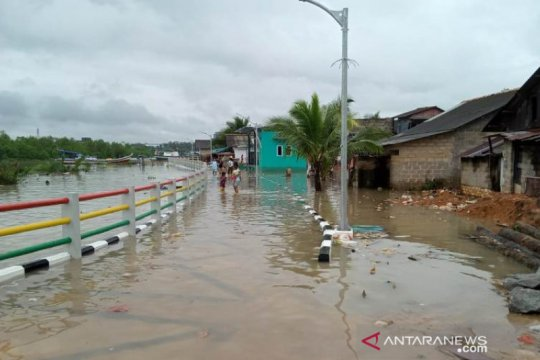 Wilayah pesisir Pangkalpinang dilanda banjir Rob