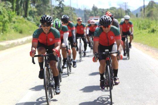 Pangdam berolahraga sepeda dengan pejabat Kodam XVII/Cenderawasih