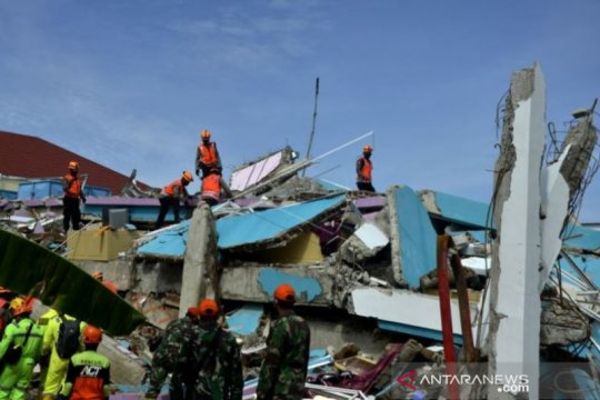 Hari Keempat Pencarian Korban Gempa