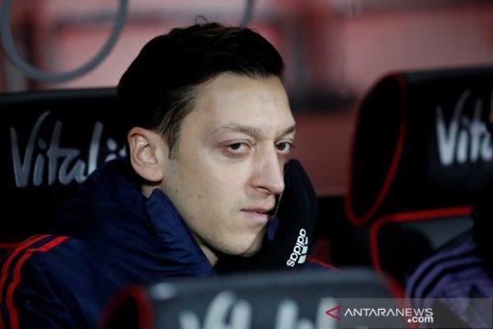 Fenerbahce umumkan transfer Mesut Ozil dari Arsenal