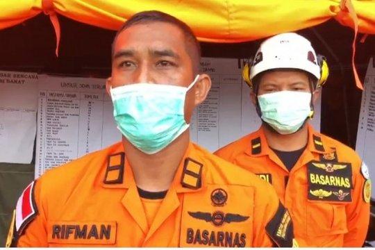Tim SAR evakuasi satu keluarga terdampak longsong di Majene